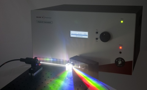 supercontinuum dispersed at a diffraction grating